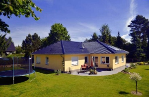 Bungalow-in-zeesen-sg-massivhaus-300x196